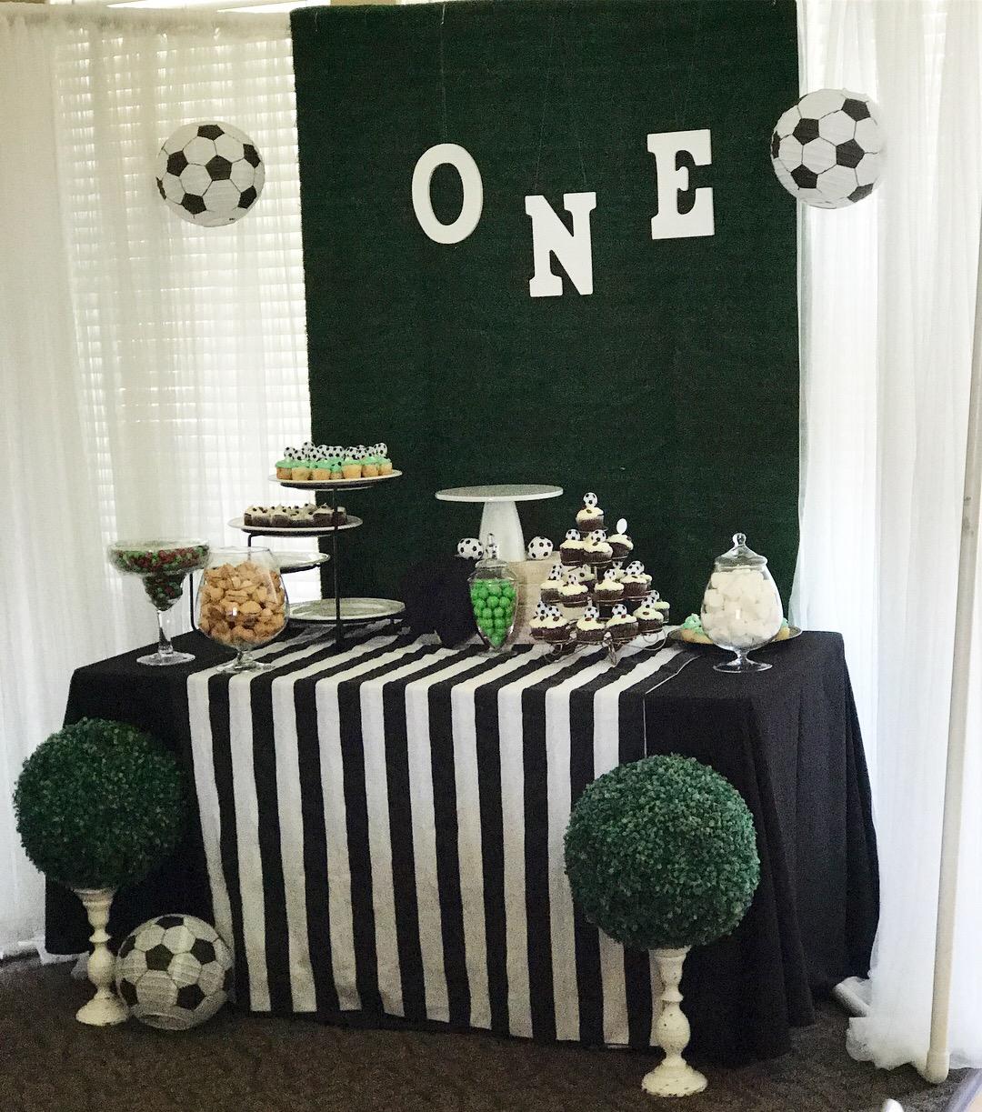 Soccer Themed Wedding Ideas: Themed Backdrop- Soccer